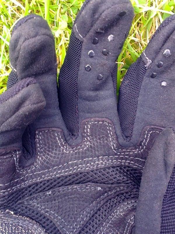 Counterfeit SI Gloves? - Factory_Pilot_Tips.jpg