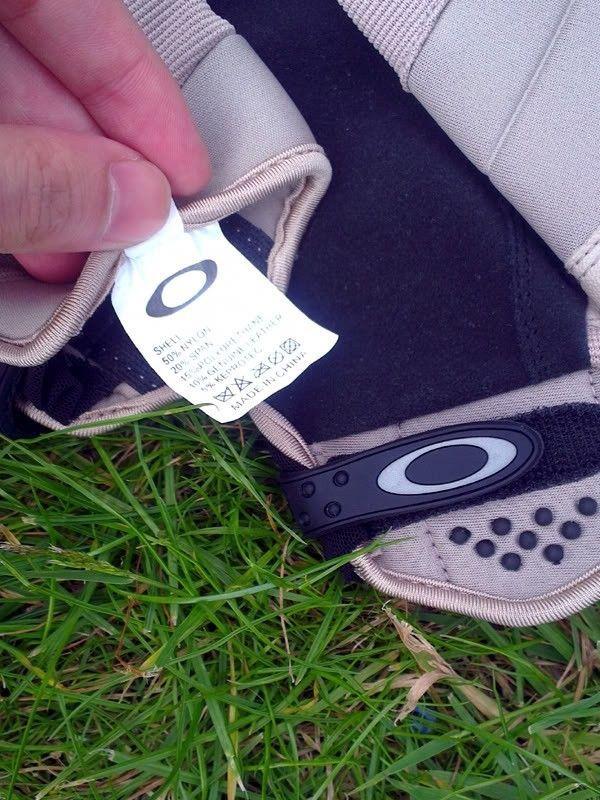 Counterfeit SI Gloves? - Fake_Label_1.jpg