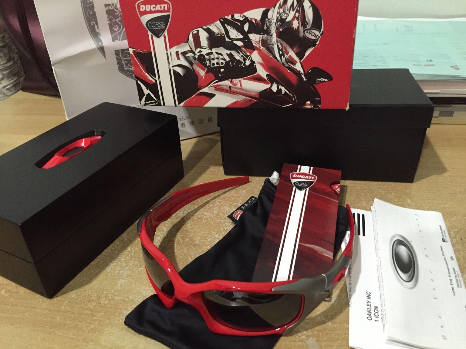 Oakley Ducati Pitboss - fc040f9c65ee89658e3a66b1bd16b204.jpg