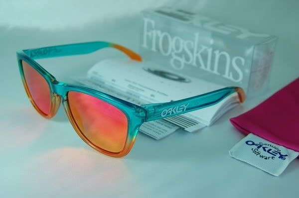 Fire Flora Fade Frogskins New In Box - fire1.jpg
