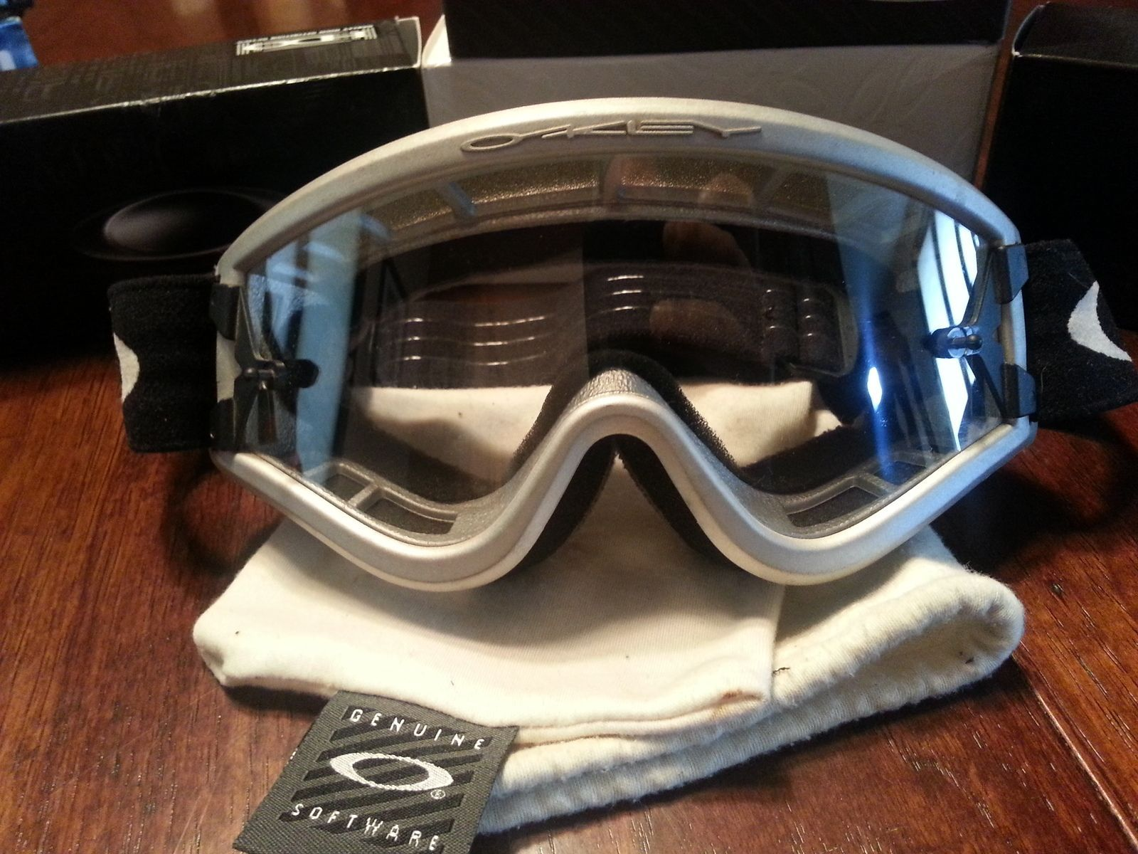 Help Identify These Goggles Please - fm5p.jpg