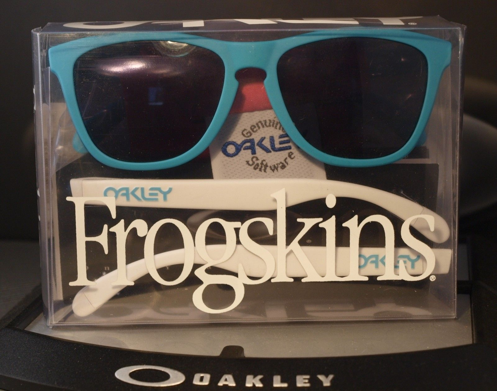 FS: Frogskins 4-Legged Matte Turquoise  ~ SKU#	03-217 ~ $260 Shipped Within The US - frogskinsturquoise1.jpg