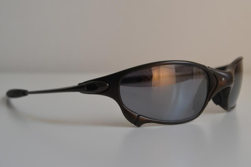 Just Bought A Pair Of Juliets. Good Deal? And Need Help Identify Frame/lenses - front-left_zps9c557de2.jpg
