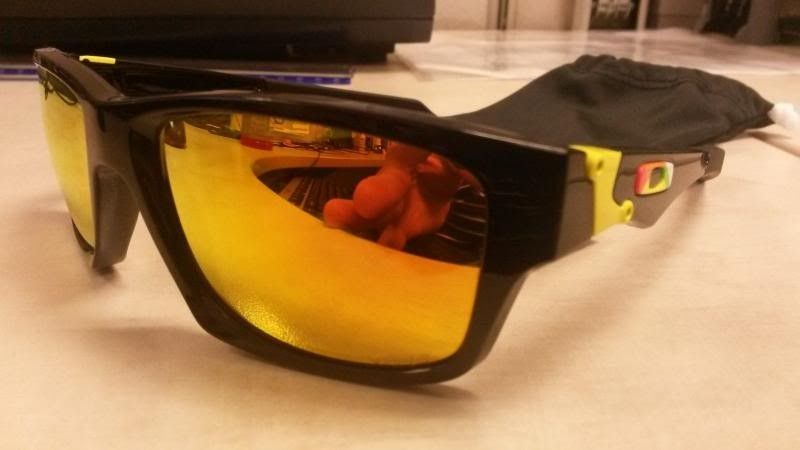 Oakley Valentino Rossi Polished Black Jupiter Squared - fs22_zpsa41cf0fa.jpg