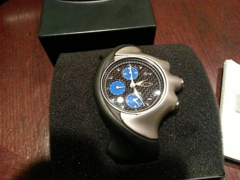 Oakley Carbon Fiber Detonator Watch - gavehyme.jpg