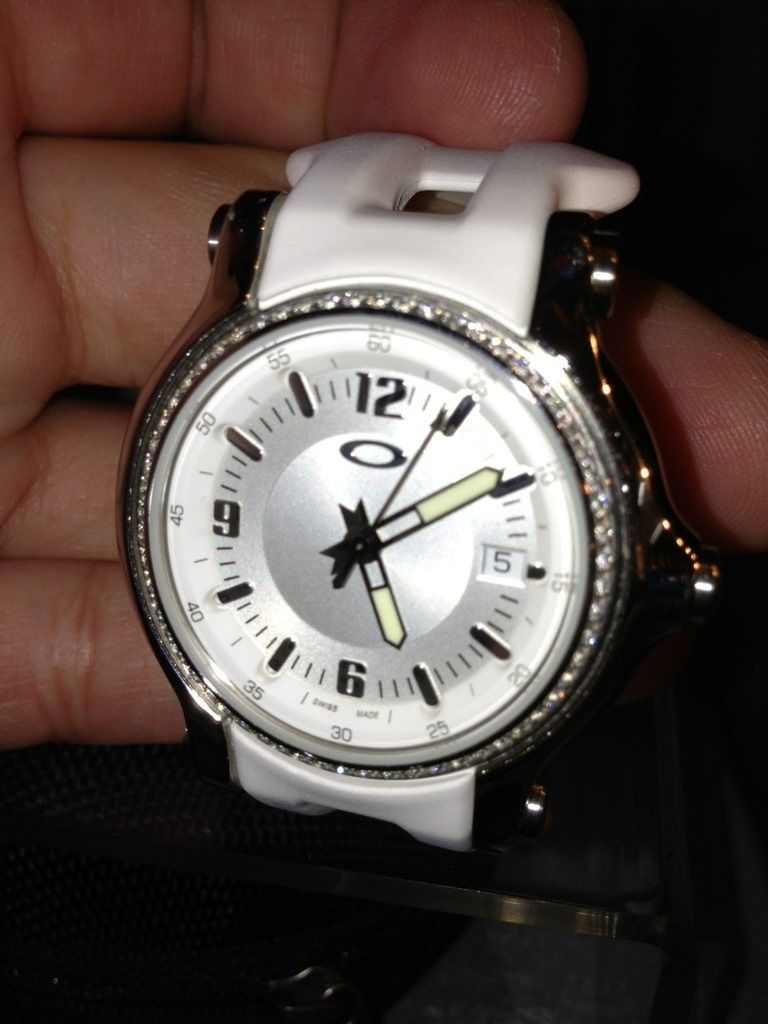 Women's Diamond Dial Watch - gezu5yja.jpg