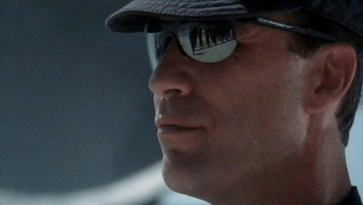 Oakleys from G.I Jane Movie? - gi_jane_oakley_movie_sunglasses.png