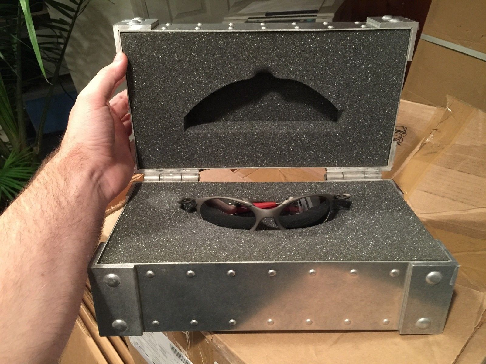Pretty awesome finds last night... - Giant XMetal Case with Romeo 1.JPG