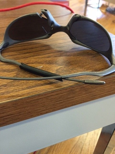 Oakley Romeo 1 - Need repair - glasses2.jpg