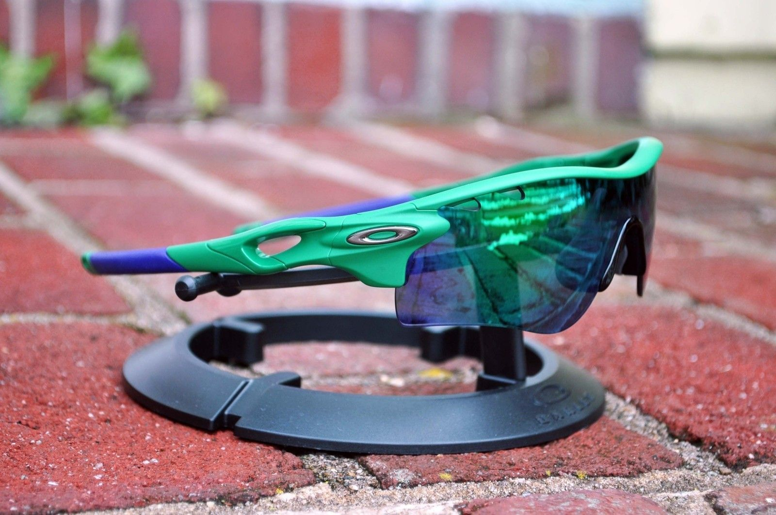 Safehouse Matte Green Radarlock frame w/ purple socks SOLD - greenradarlock.jpg