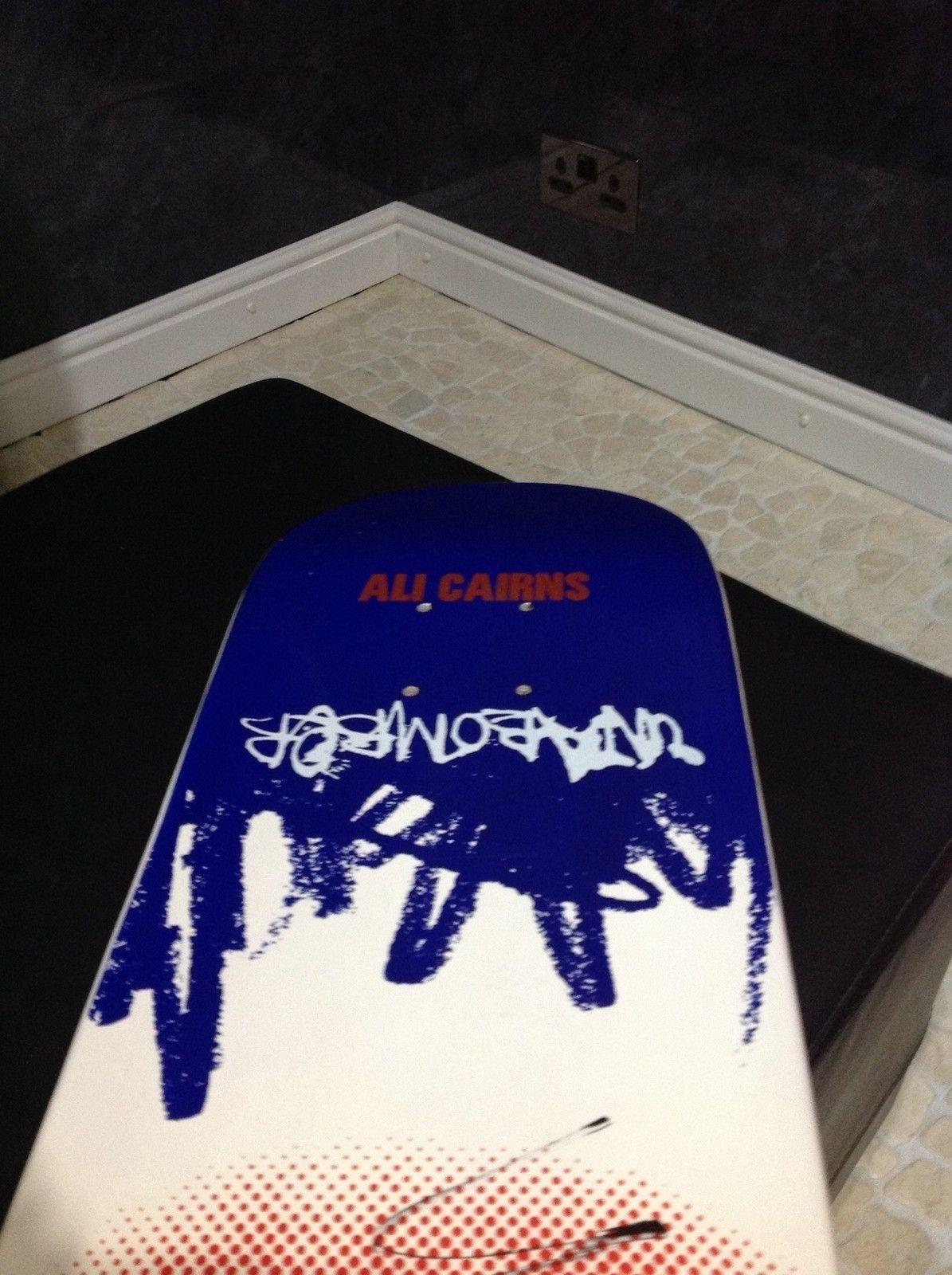 Skateboarder Ali Cairns? - gyk5.jpg