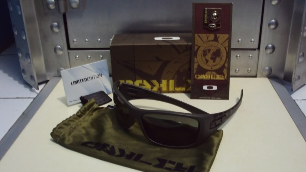 Sell : Oakley Hijinx Red Shift Line Soviet Completed - hijsovyet1.jpg