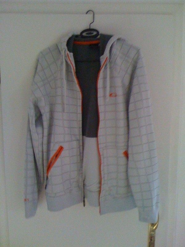 Oakleynerds Stuff - hoodieqa.jpg