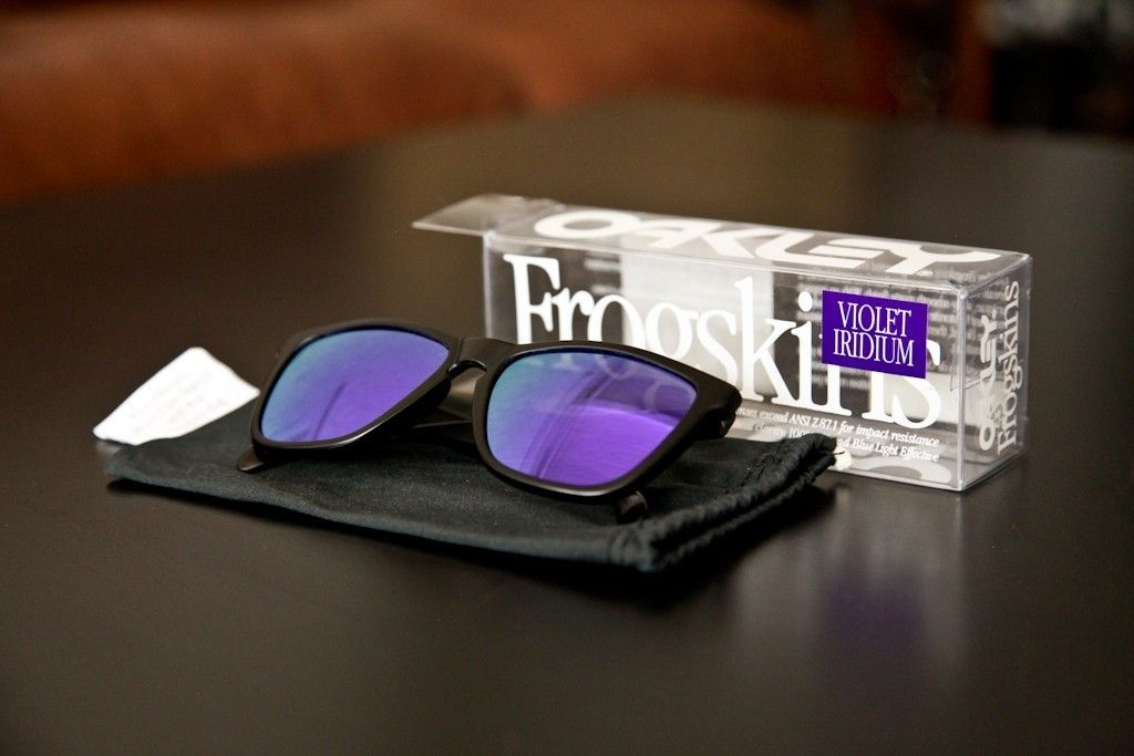 GEN 1 Frogskins Violet Iridium W/ Box And Micro - hswbh1.jpg