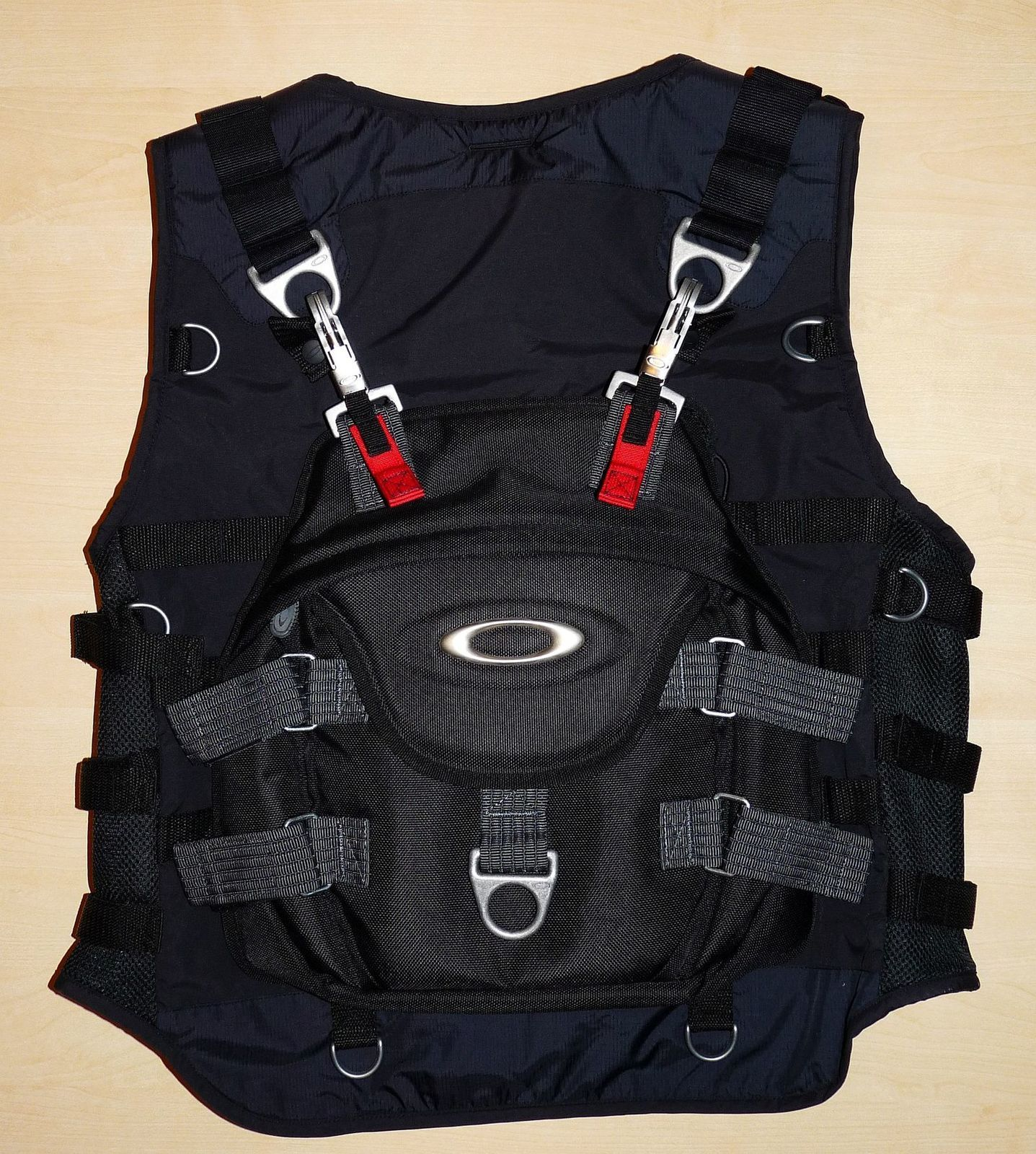 bd0613660ad Oakley Ap Tactical Vest « One More Soul