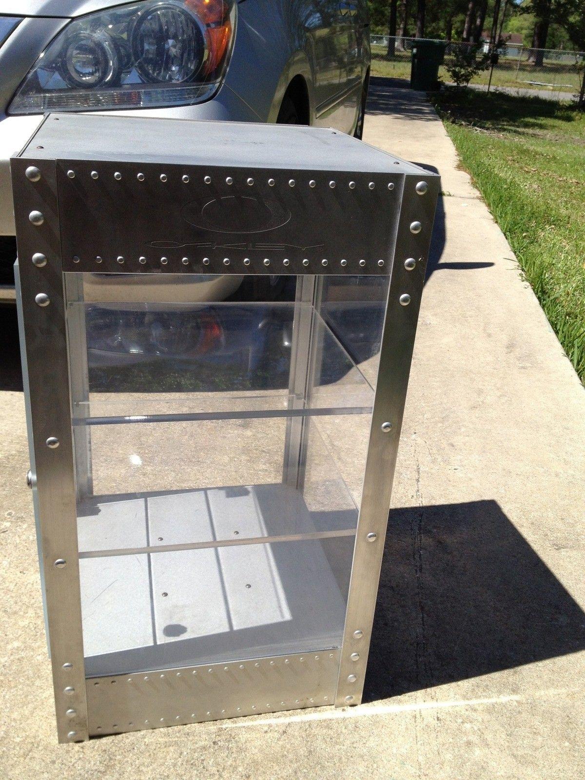 Looking To Sell 4 Oakley Display Cases - ICFbx4J5_original.jpg