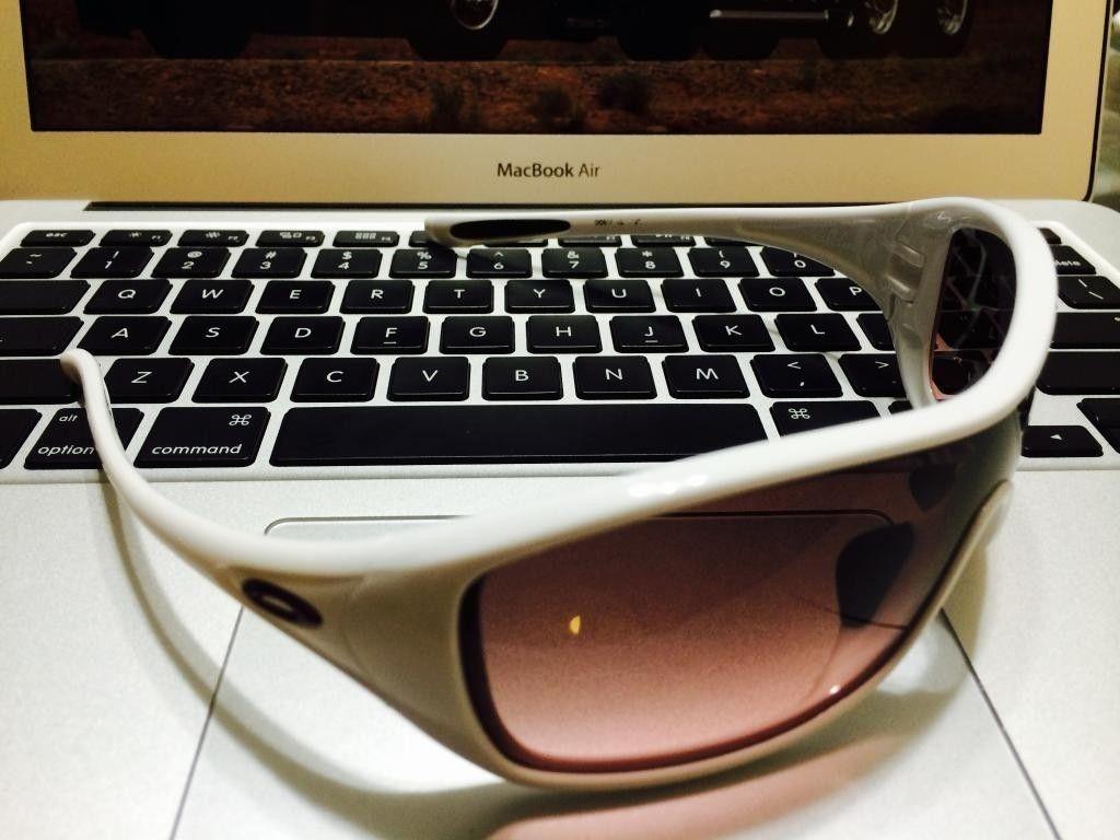 Womens Oakley Ideal: Polished White/G40 Black Gradient - ideal4_zps6cf4ce72.jpg