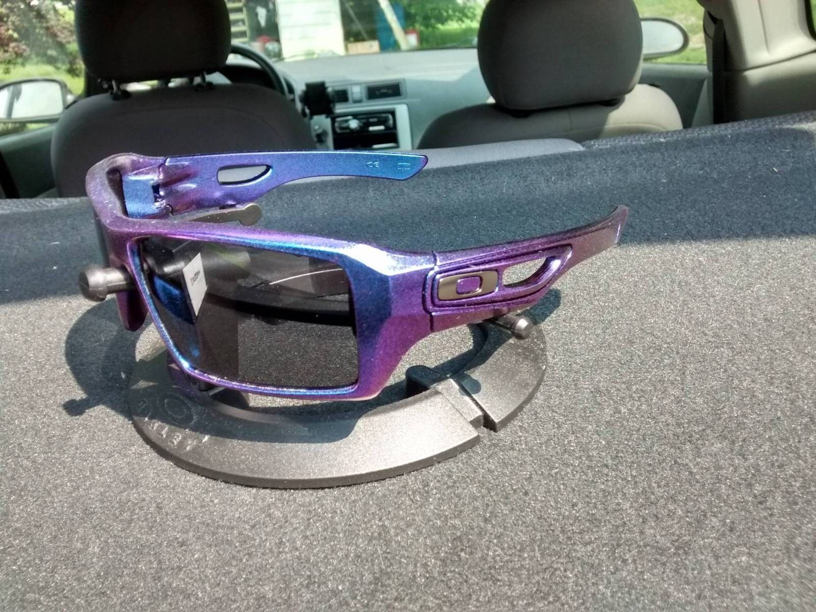 What If Your Oakleys Could Change Colors In The Sun.... - ikss4AU.jpg