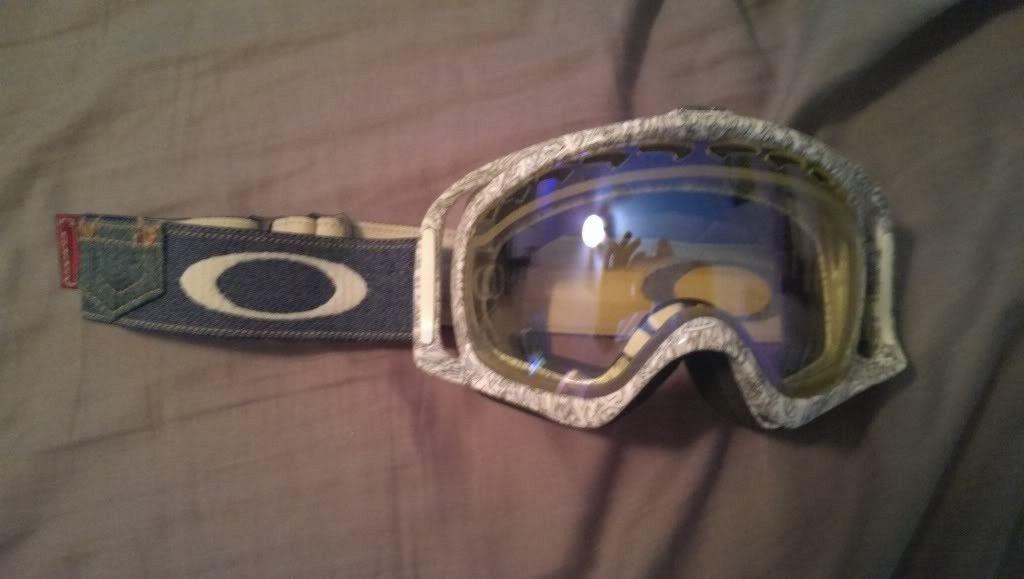 Crowbar Snow Goggles - IMAG0096_zps26f3ec55.jpg