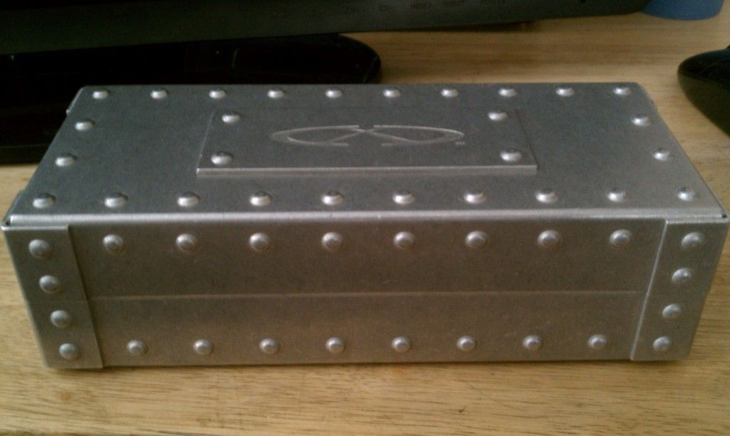 Oakley Metal Vault - IMAG0153.jpg
