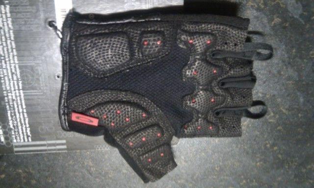 FS: Oakley Factory Road Gloves - Medium (Road Cycling Gloves) - NEW - imag1072.jpg