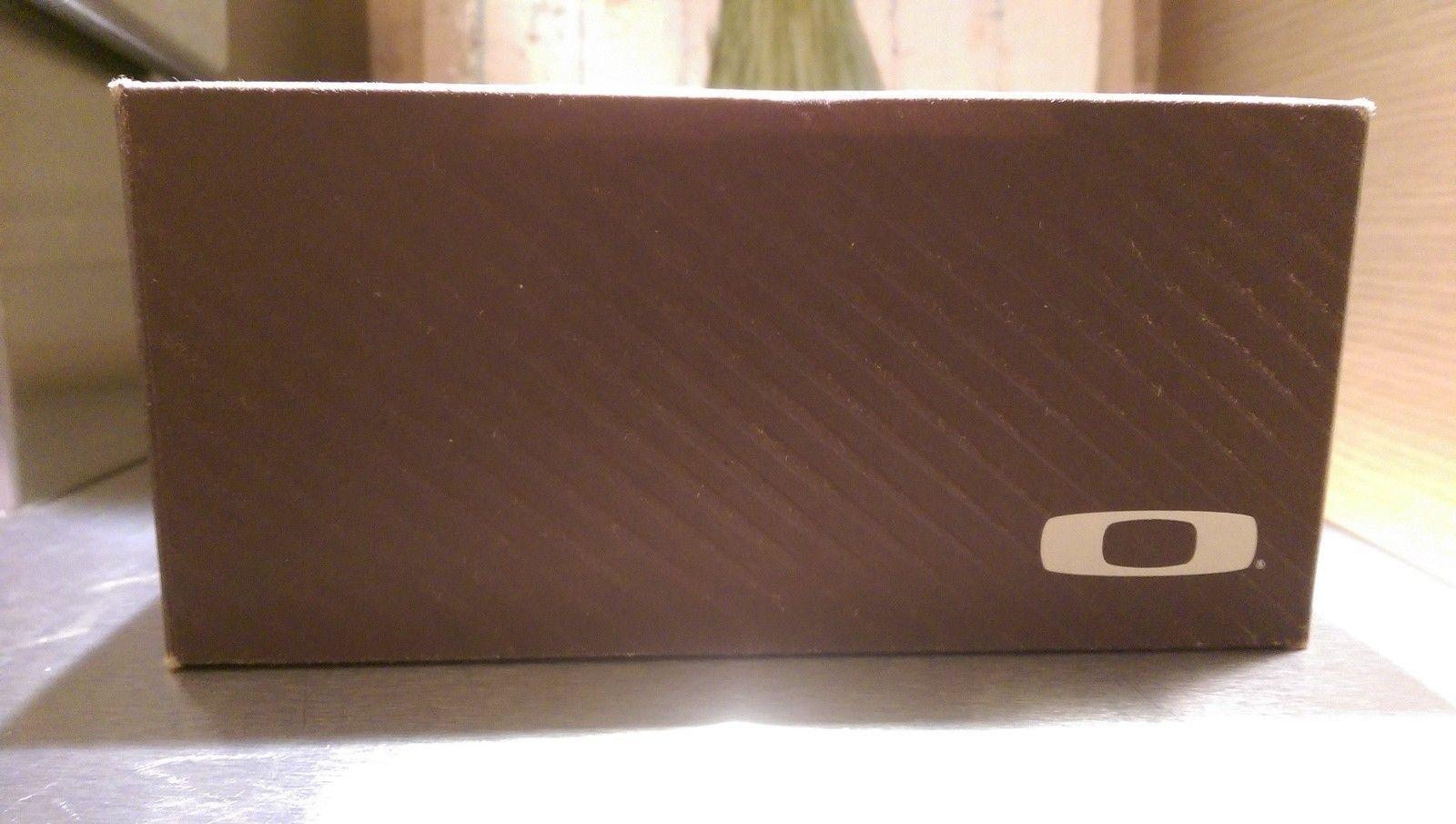 Oakley Fuel Cell Polish Black /dark silver history/Black iridium polarized BNIB - IMAG4869.jpg