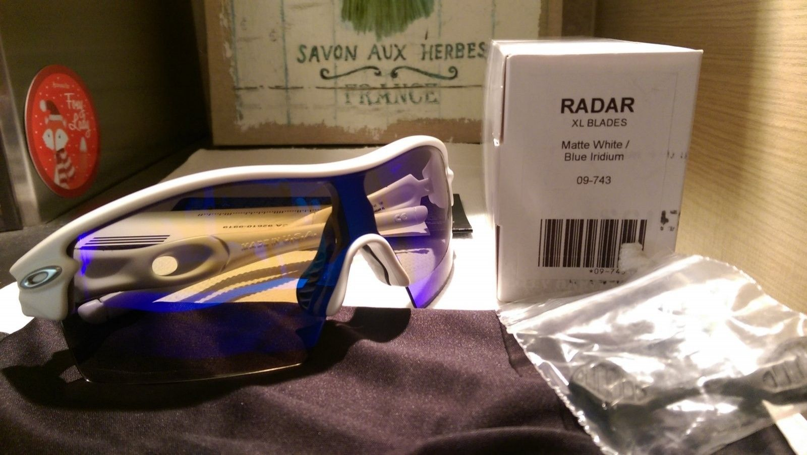 Oakley Radar XL matte white with Blue iridium 09-743 NEW - IMAG6175.jpg