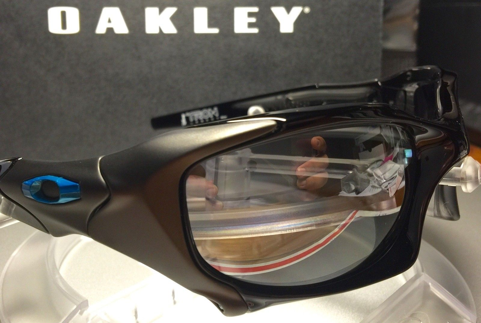 d2bf0d7da1d Oakley Sunglasses Limited Edition Tron Pit Boss « Heritage Malta