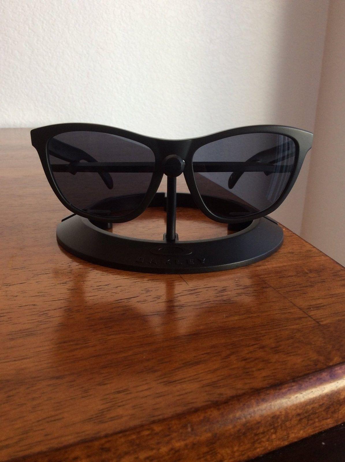 Oakley Frogskins Carbon Infinite Hero frame/grey lenses cheap - image.jpeg