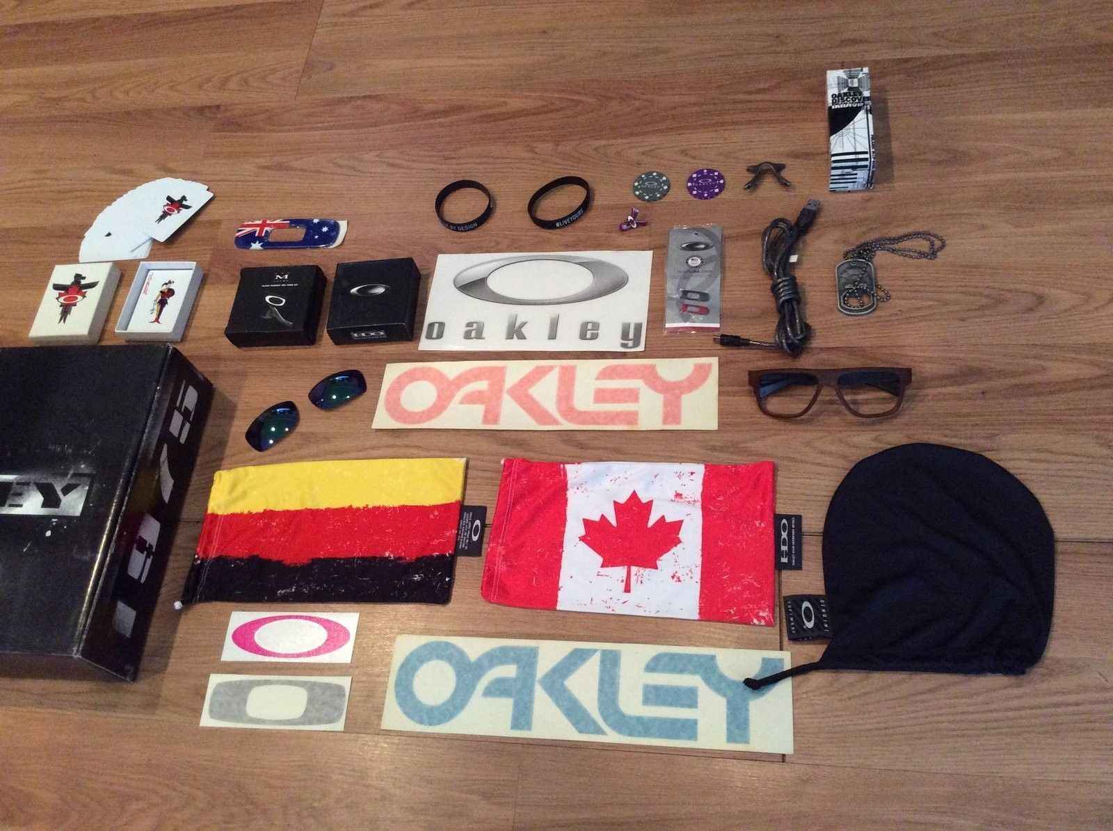 Oakley Display Items and Kit $150 Shipped - image.jpeg