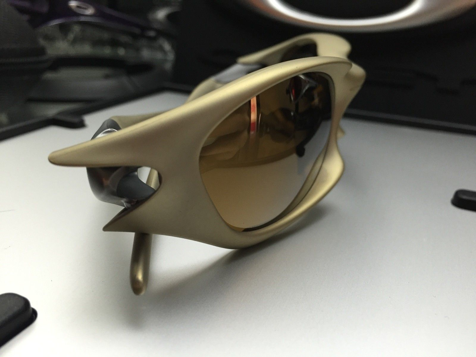 BNIB Valve Platinium w/ Gold Iridium sku#03-876 - image.jpeg