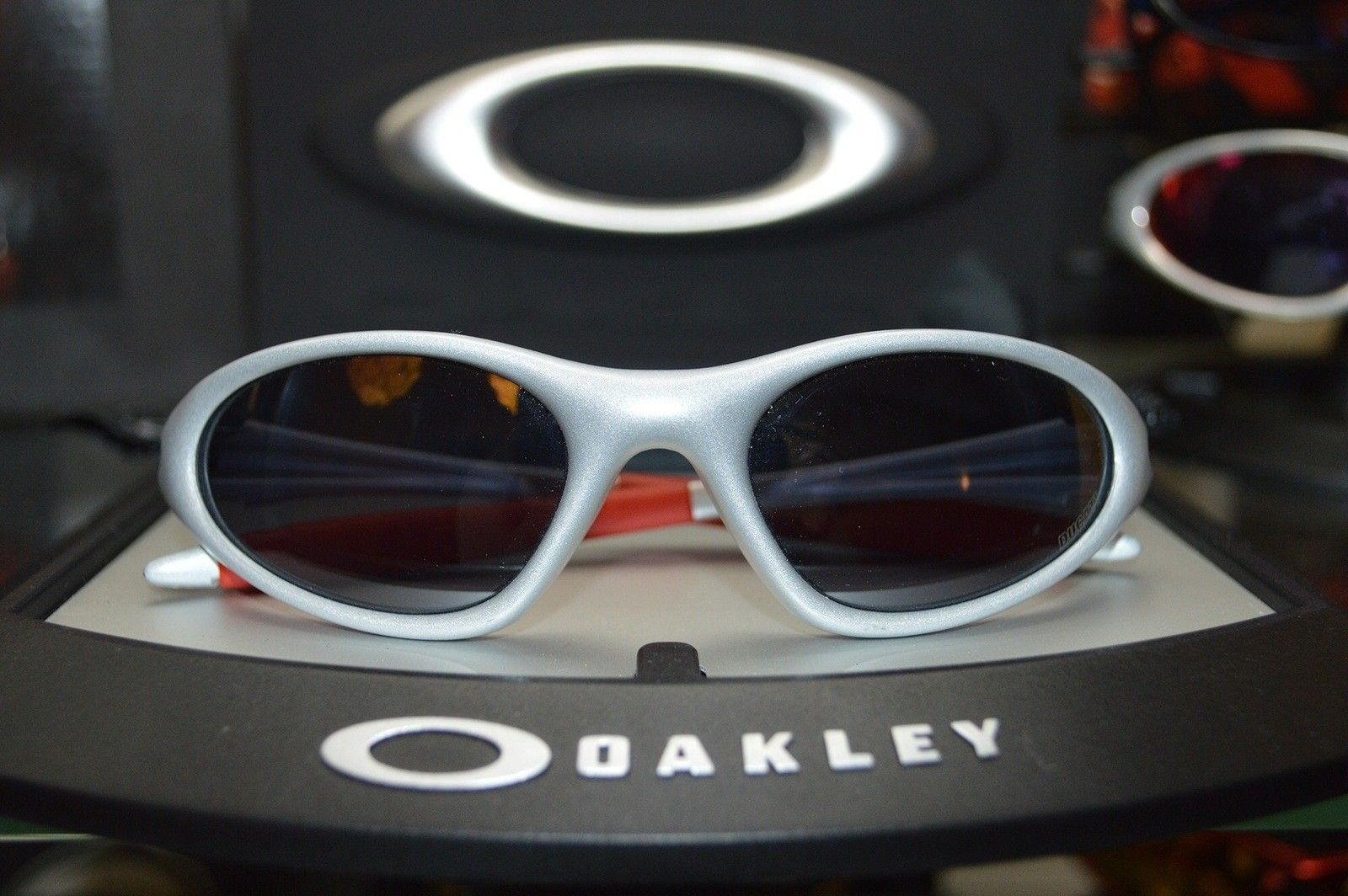 786cee0fc5 Oakley Scar Sunglasses Butterscotch gold Iridium