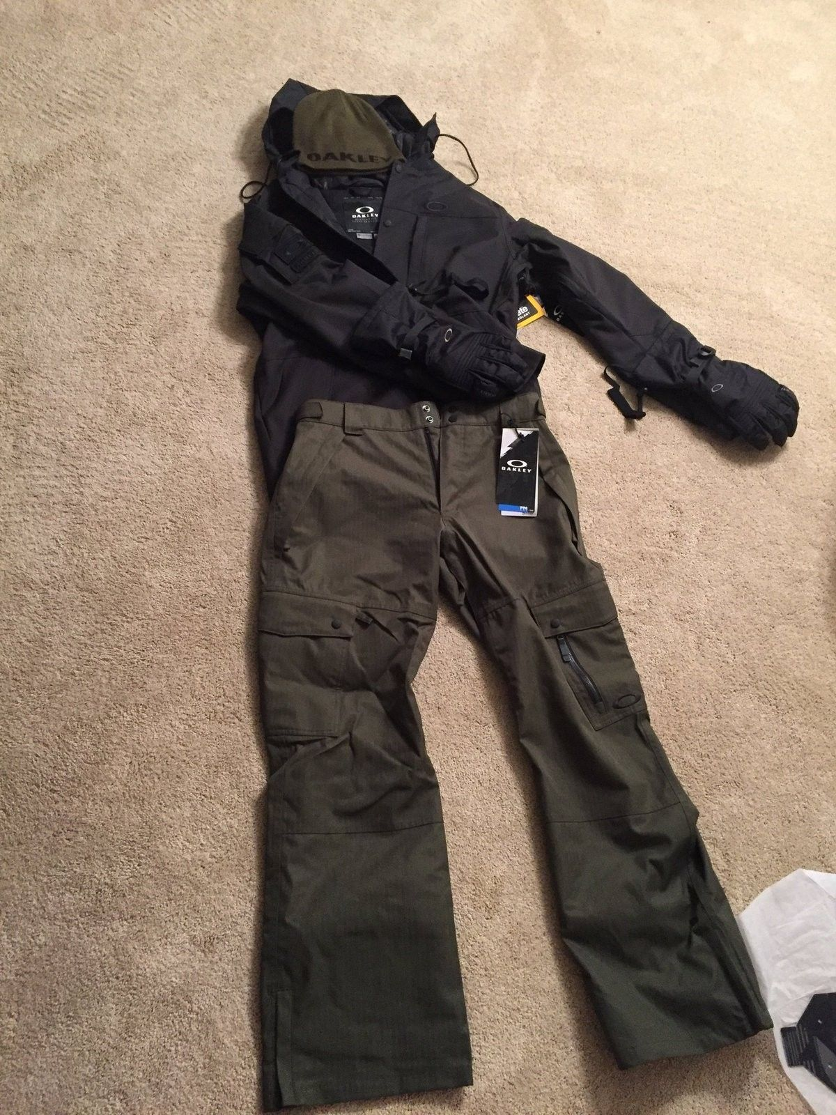Snow Gear - image.jpeg