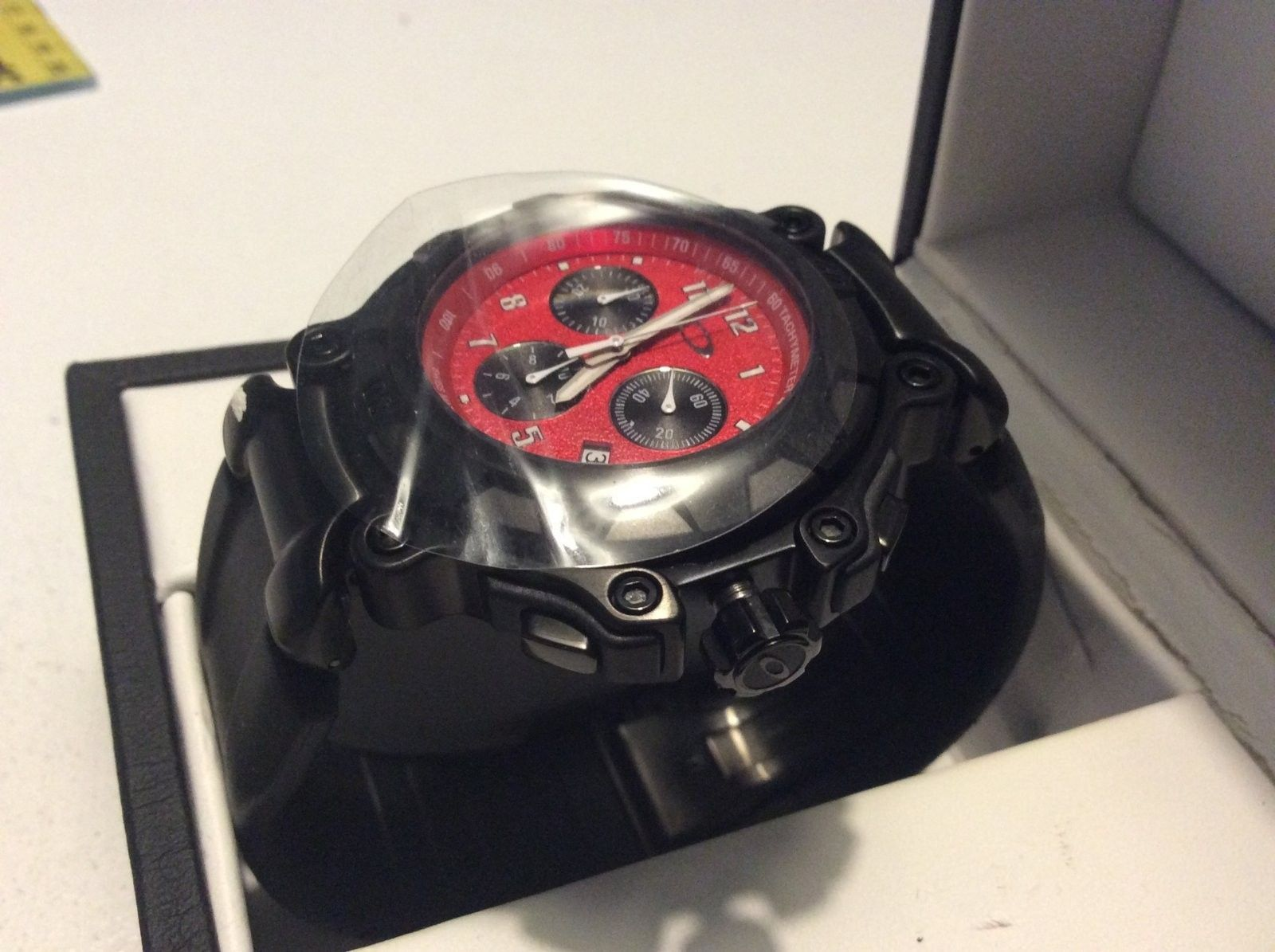 Crankcase Stealth Black / Red - BNIB & complete - PRICEDROP.. - image.jpeg
