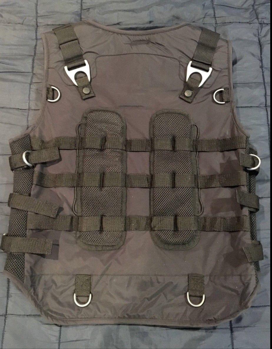 Oakley adaptable payload vest size Lg nwt - image.jpeg