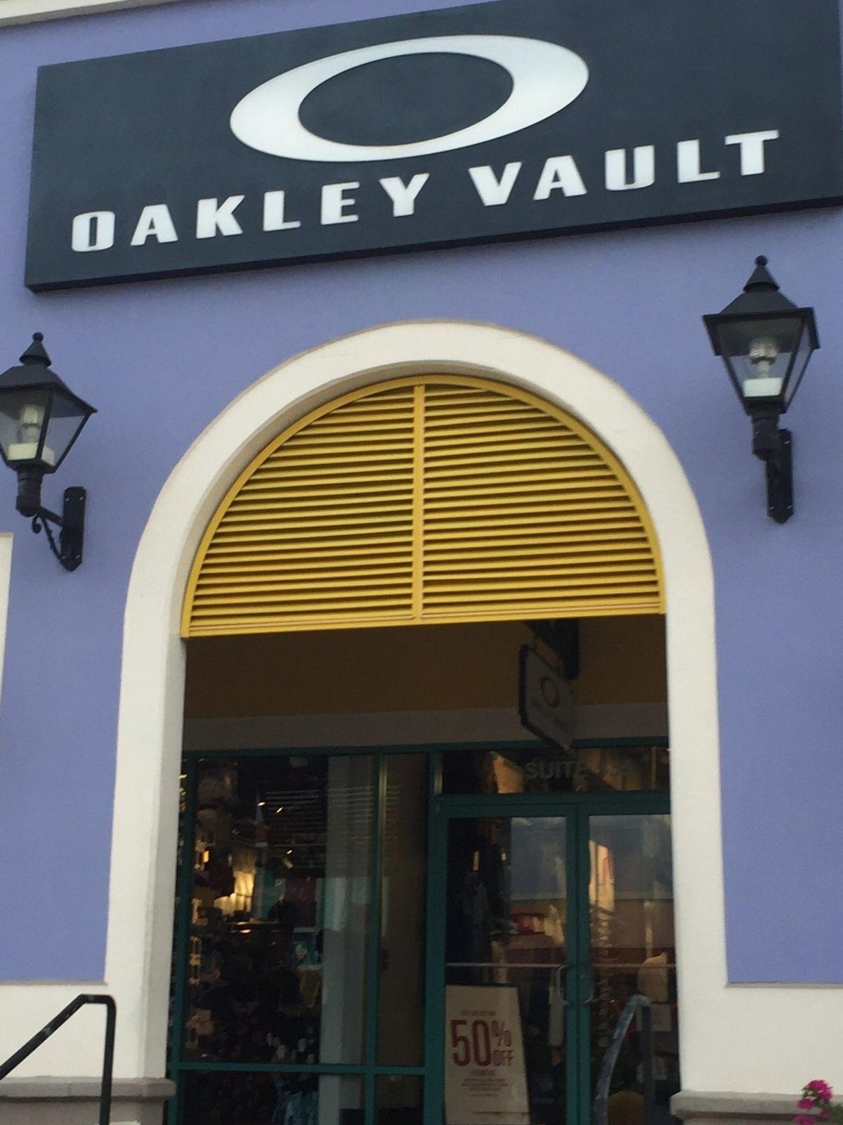 oakley vault el paso tx