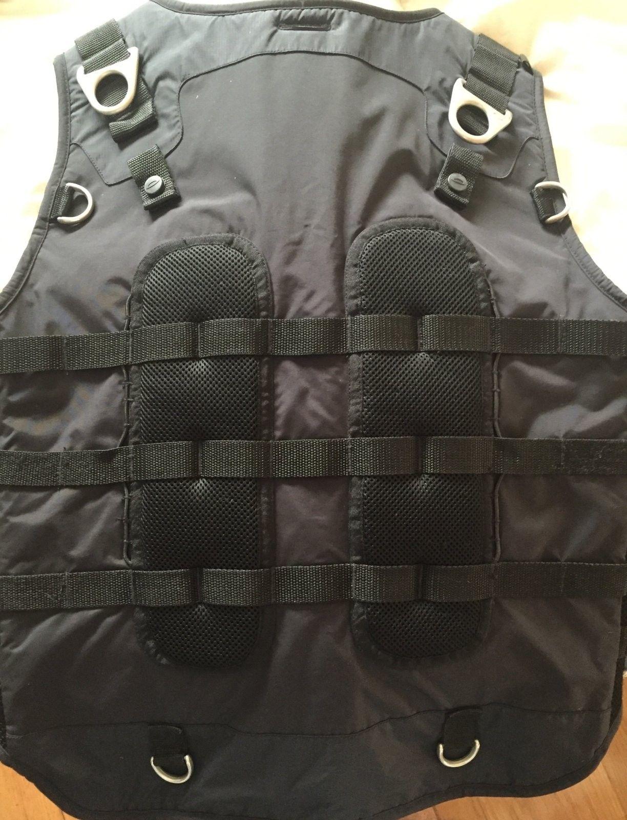 Oakley Ap vest XL - L - image.jpeg