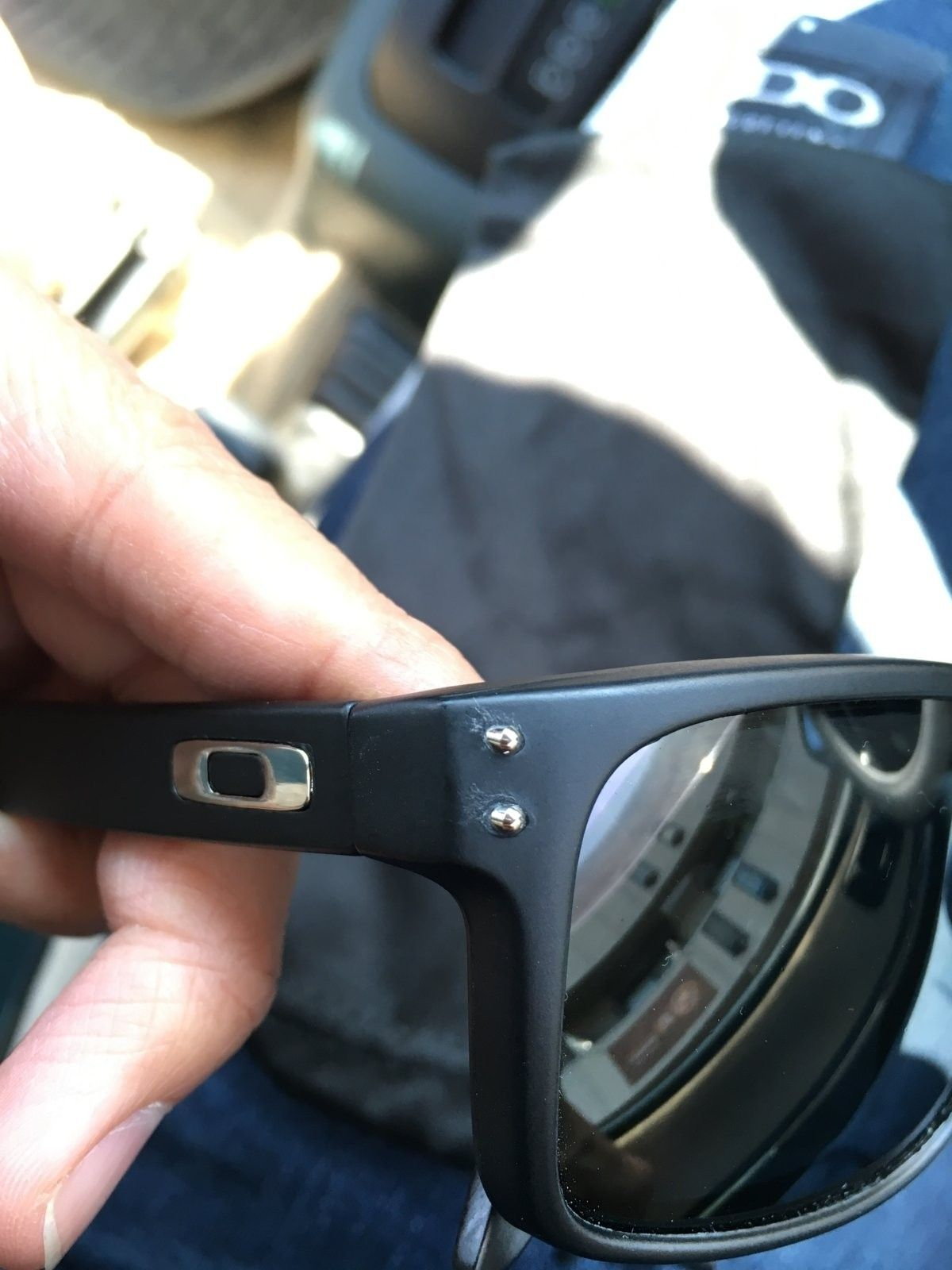 Oakley Holbrook, need help on an issue - image.jpeg