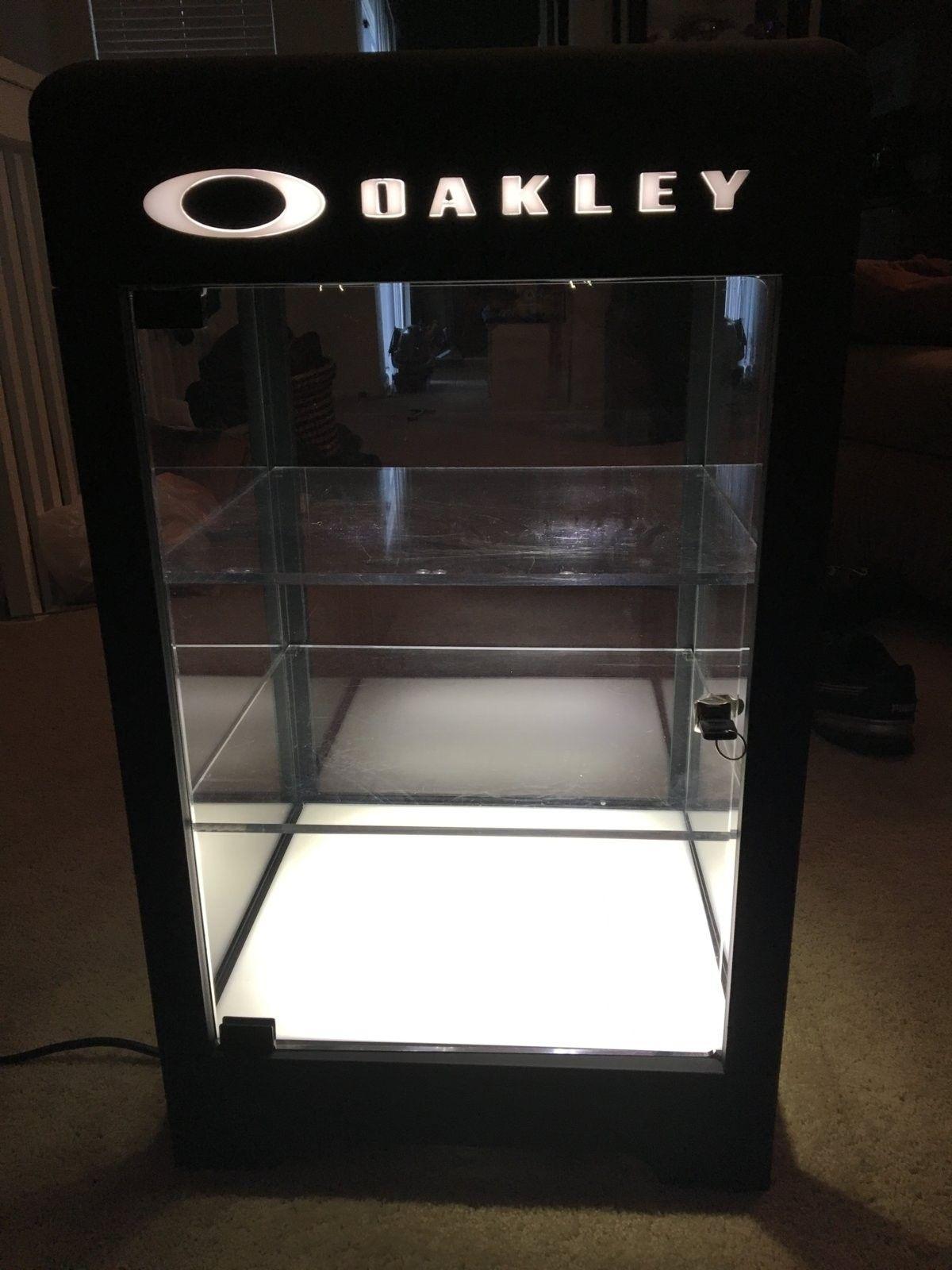 Oakley Counter Top Display 3.0 - image.jpeg