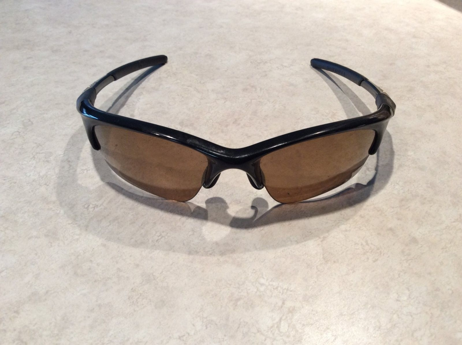 Need help identify my Oakley Glasses - image.jpeg