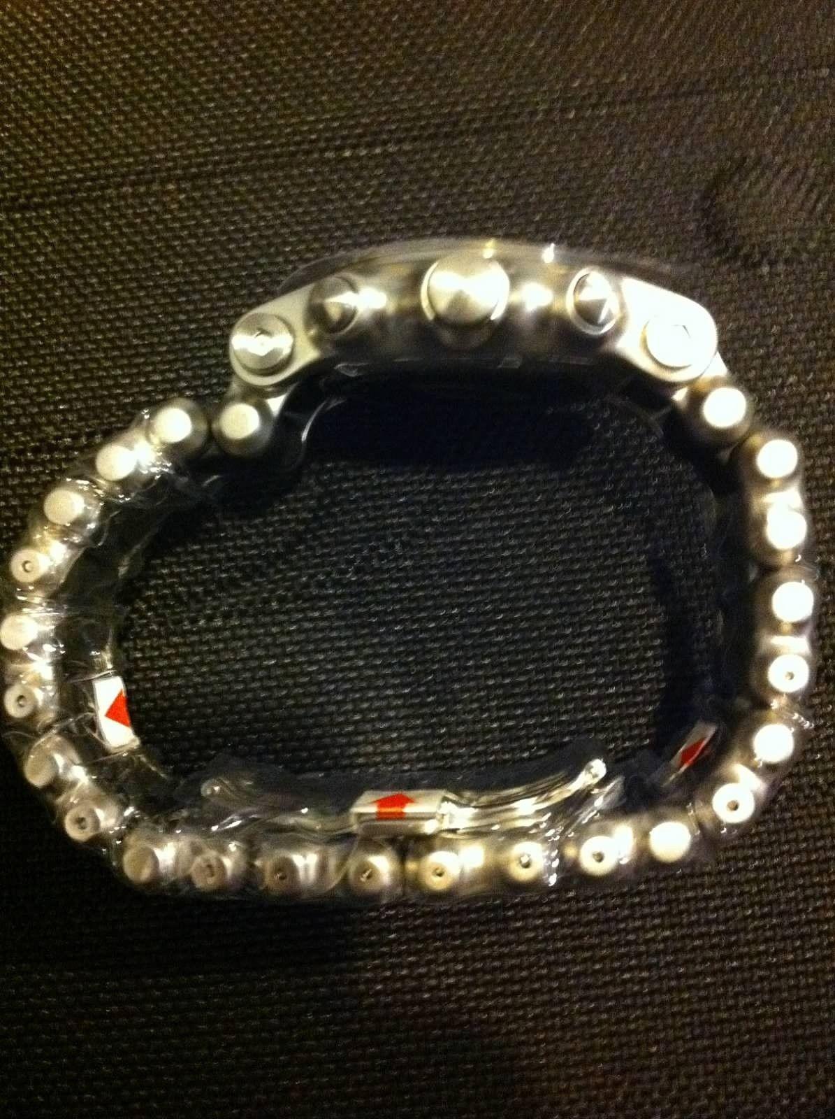 Holeshot bracelet - image.jpeg
