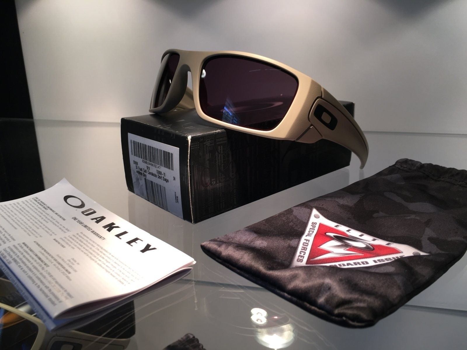 Covert Carbon Blades & Display Stands - image.jpeg