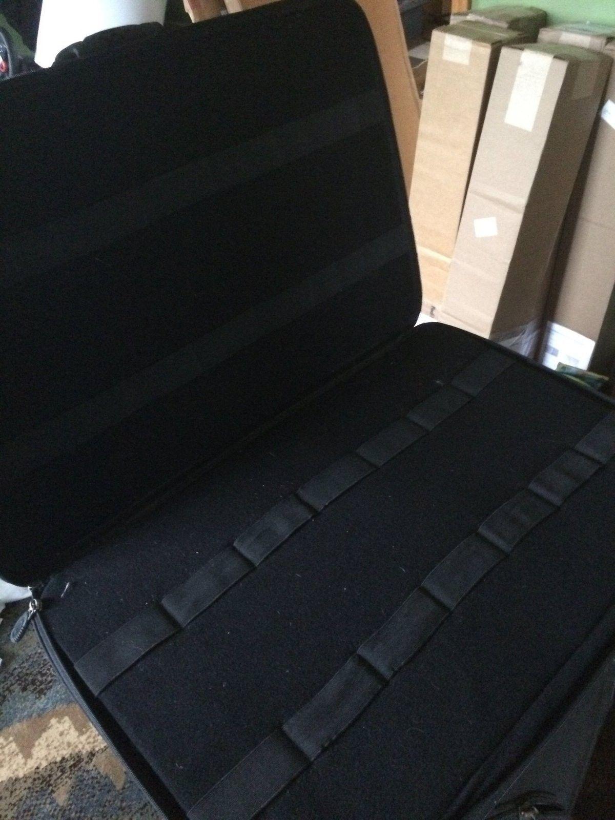 Or Trade Rare Oakley Cases - image.jpg
