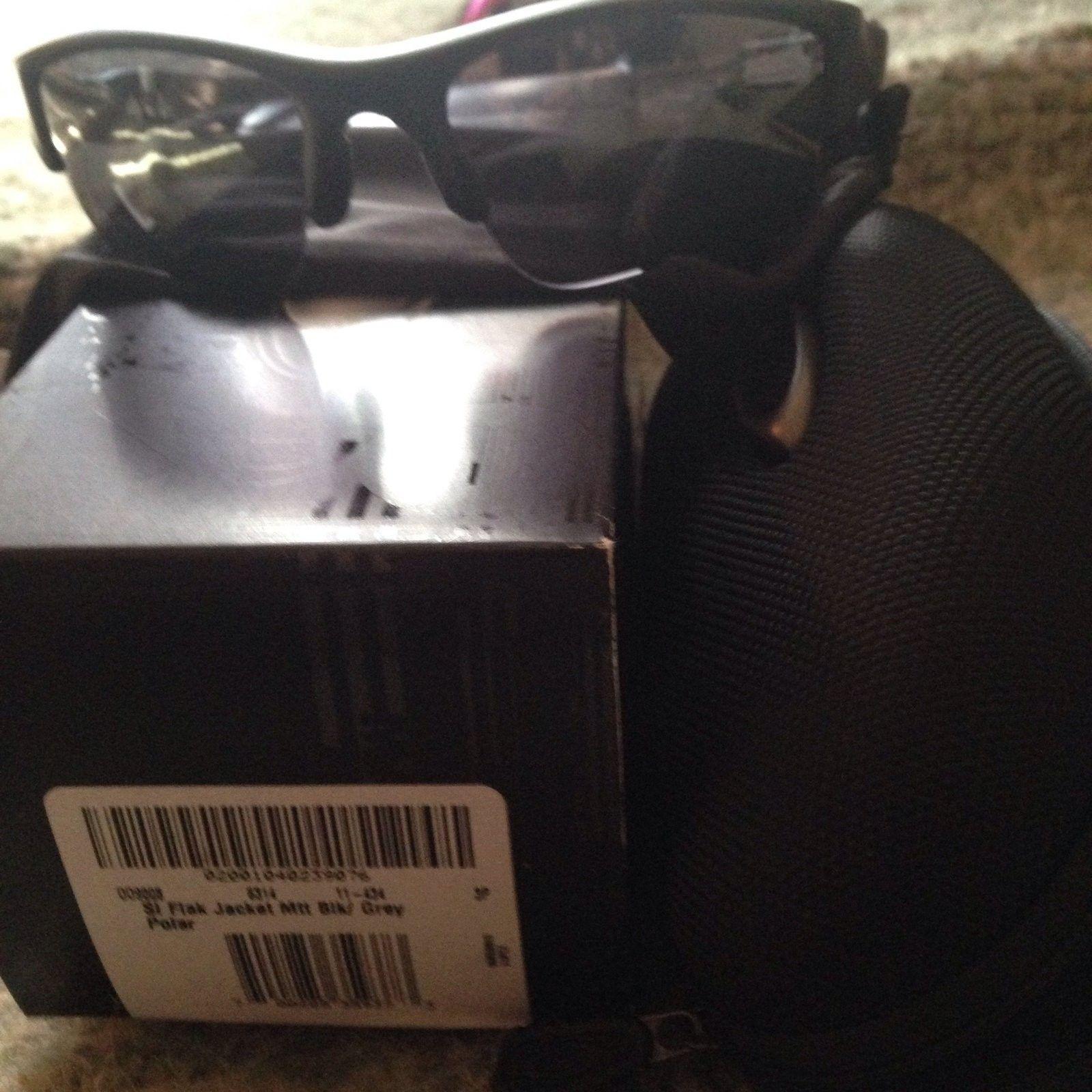 BNIB ih hj 2  +red $ original lenses, si matte black grey non polar BNIB Flak xlj ,grey Sj - image.jpg