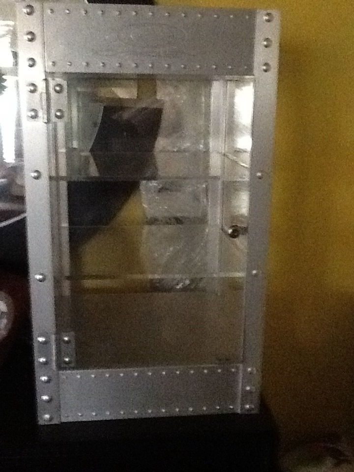 X metal juliet the one that started it all plus display cases - image.jpg