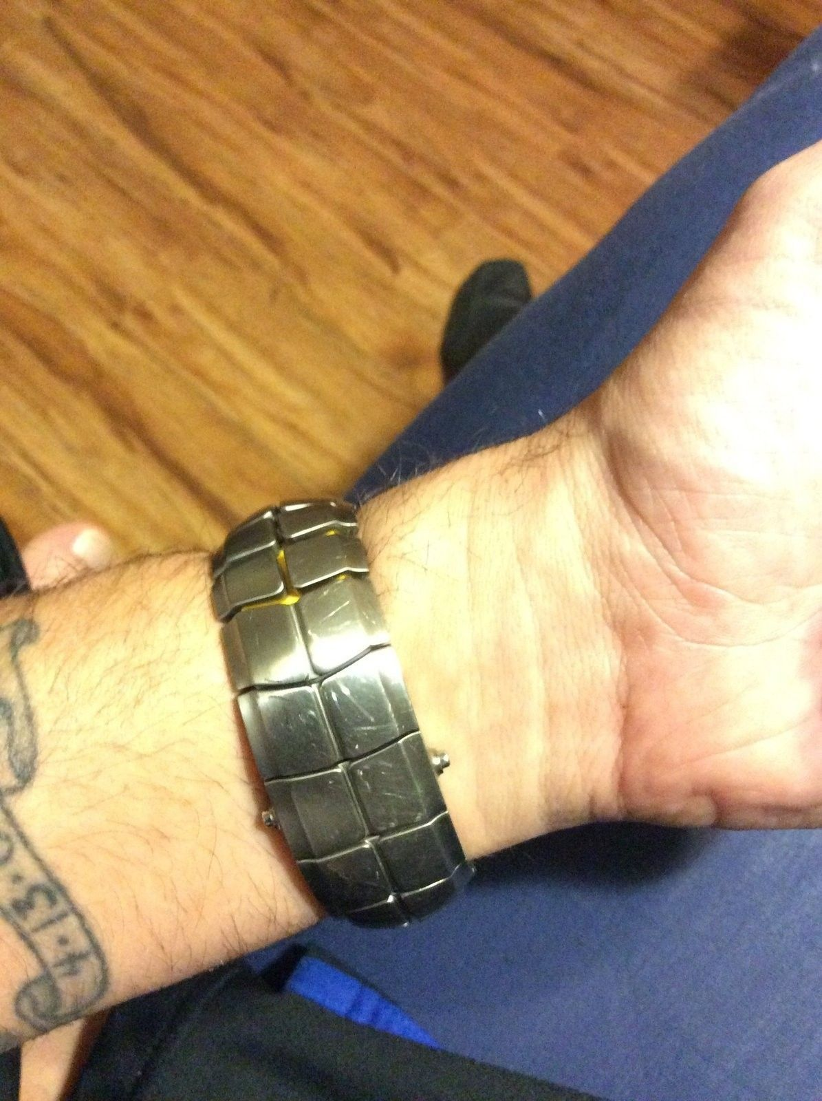 My timebomb 2 Livestrong watch - image.jpg