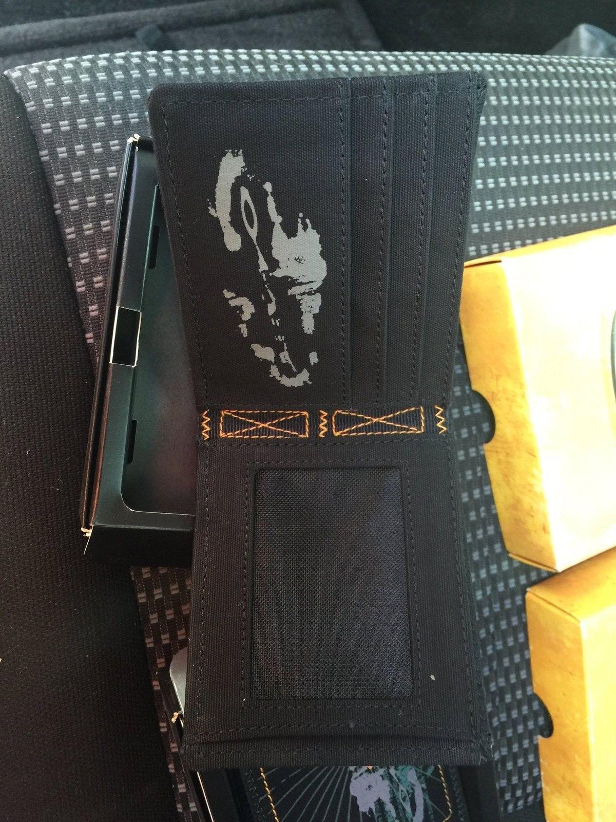 WTB: Oakley canvas wallet BIFOLD - image.jpg