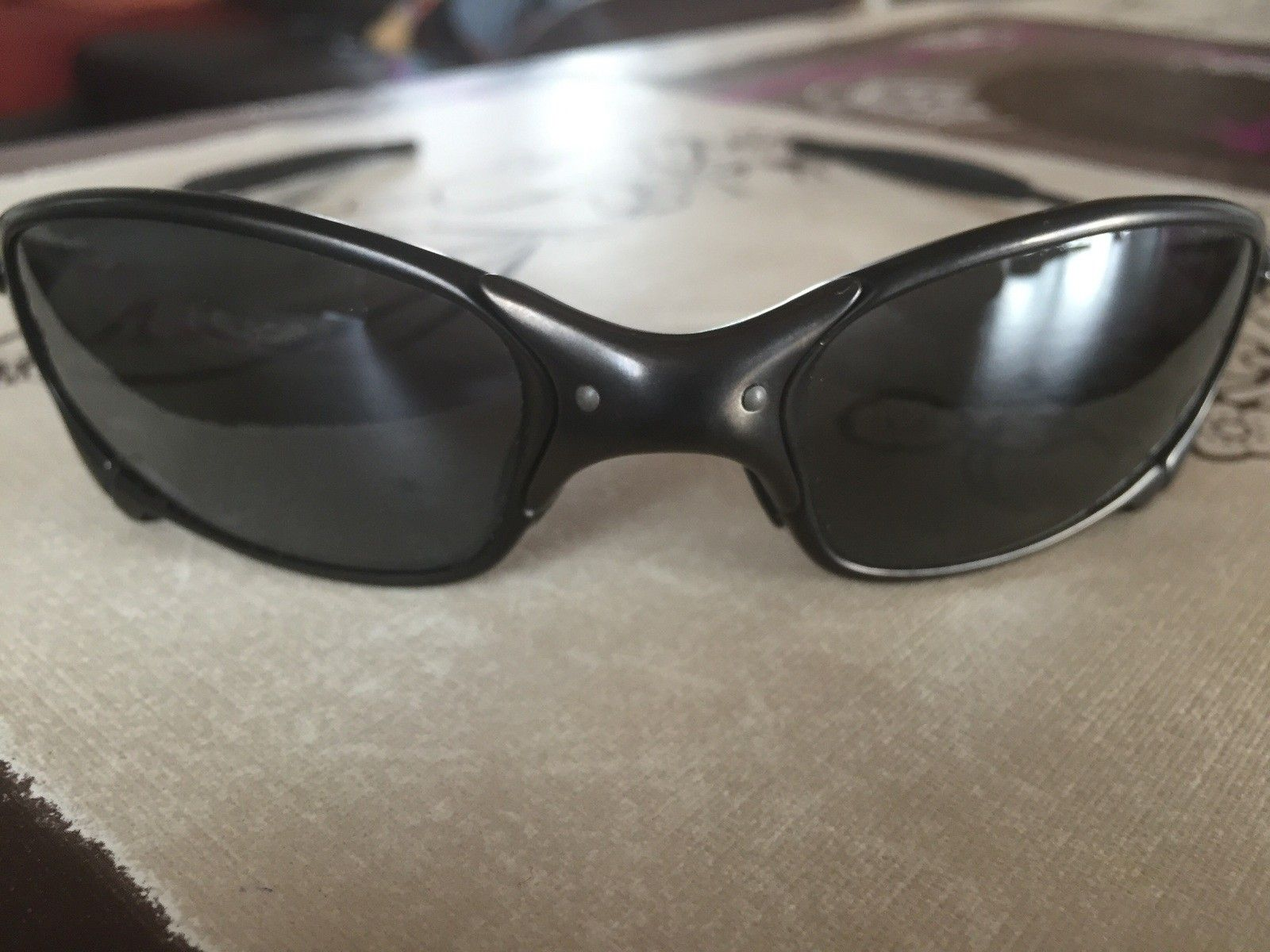 Juliet black carbon polarized with Box and Coin - image.jpg