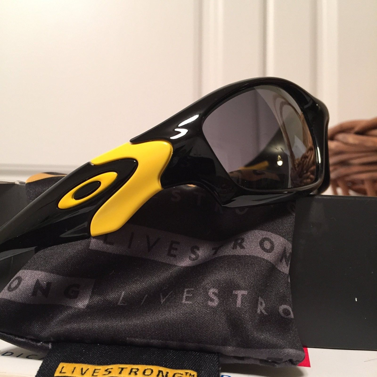 Sold Livestrong Straight Jacket II BNIB  60 shipped lowest low - image.jpg
