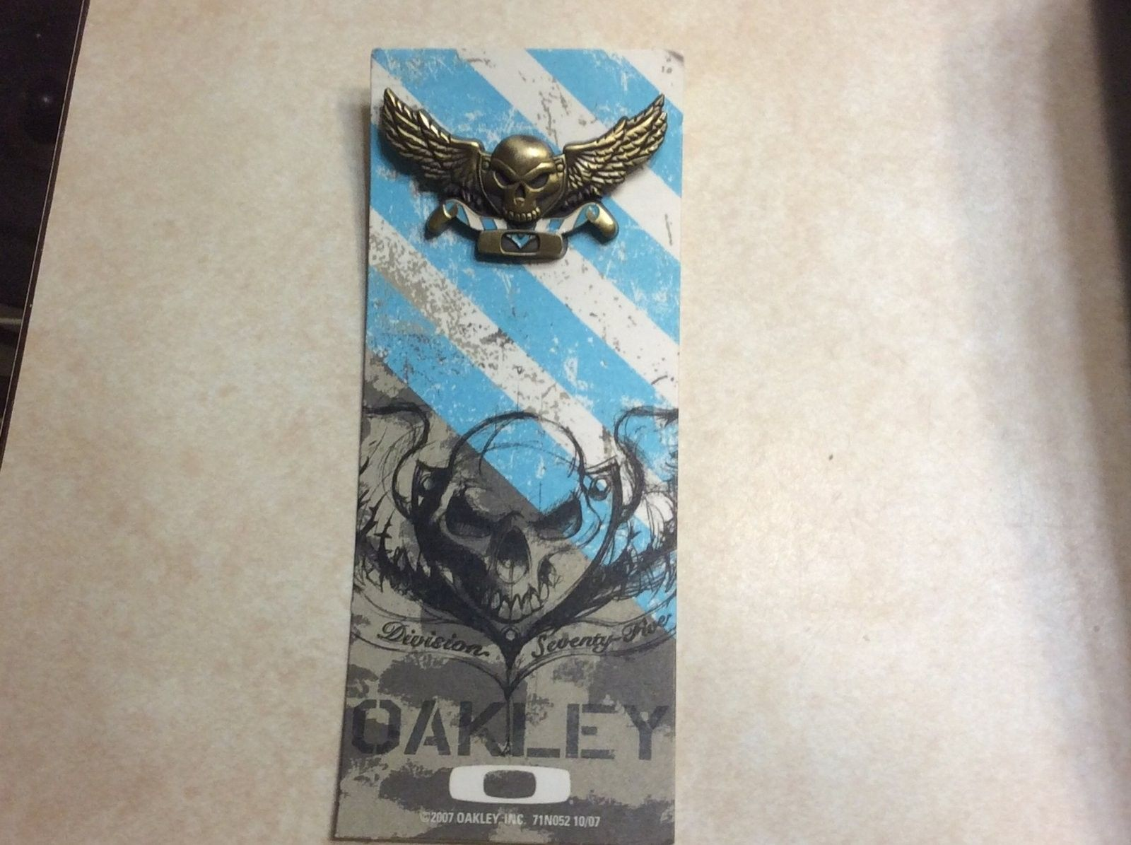 Oakley 10th Mountain Division pin - image.jpg